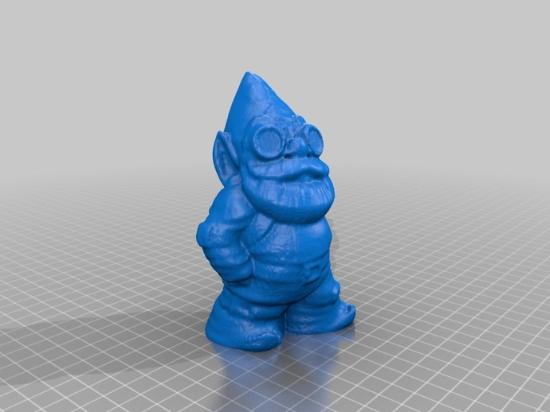 Trädgårdstomte som 3D-skannats med MakerBots nya Digitizer!