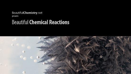 Vackra kemiska reaktioner i timelapse