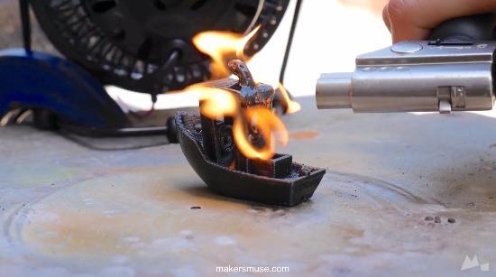 Att tända eld på #3DBenchy i olika typer av filament