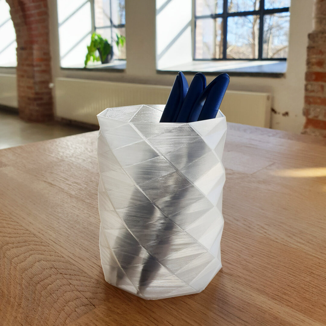 3D printed precil holder in transparent  eco-friendly PLA filament from Creative Tools' filament serie ECOrefill.